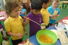 Charity Day (Arabic Activity) Reception Classes 15-03-2016